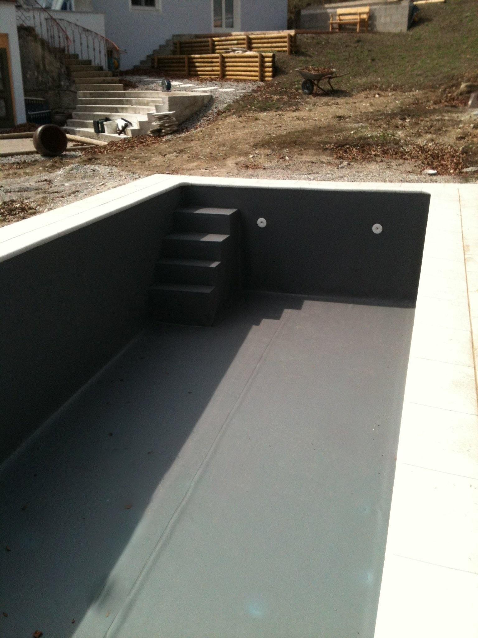 schwimmbadtreppe selber bauen schwimmbad und saunen. Black Bedroom Furniture Sets. Home Design Ideas